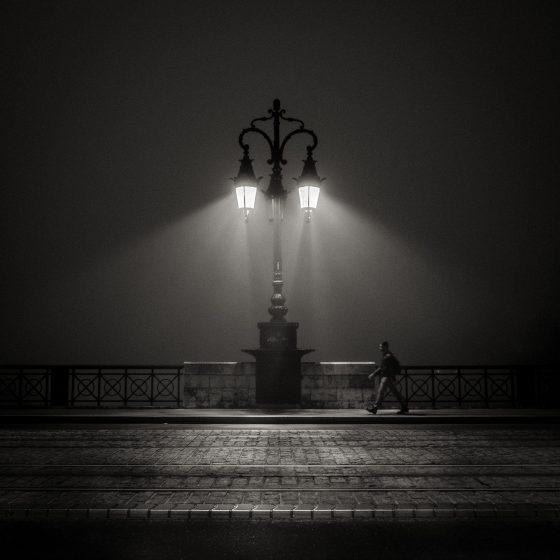 Pont de pierre sélectionnée sur Street Level photography
